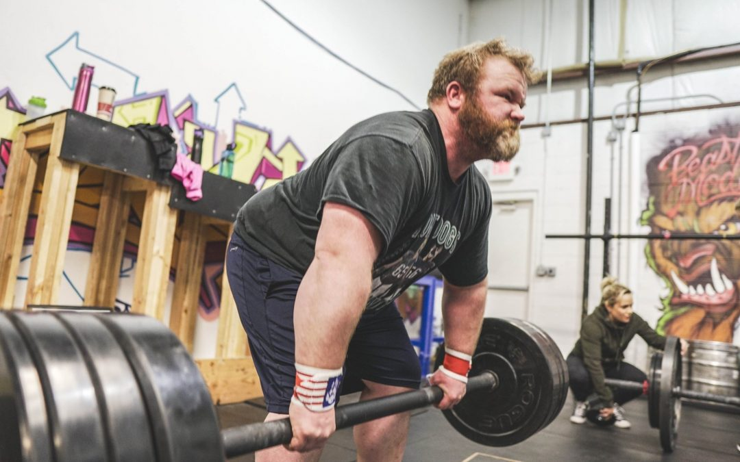 What Powerlifters Can Learn From Strongman Competitors