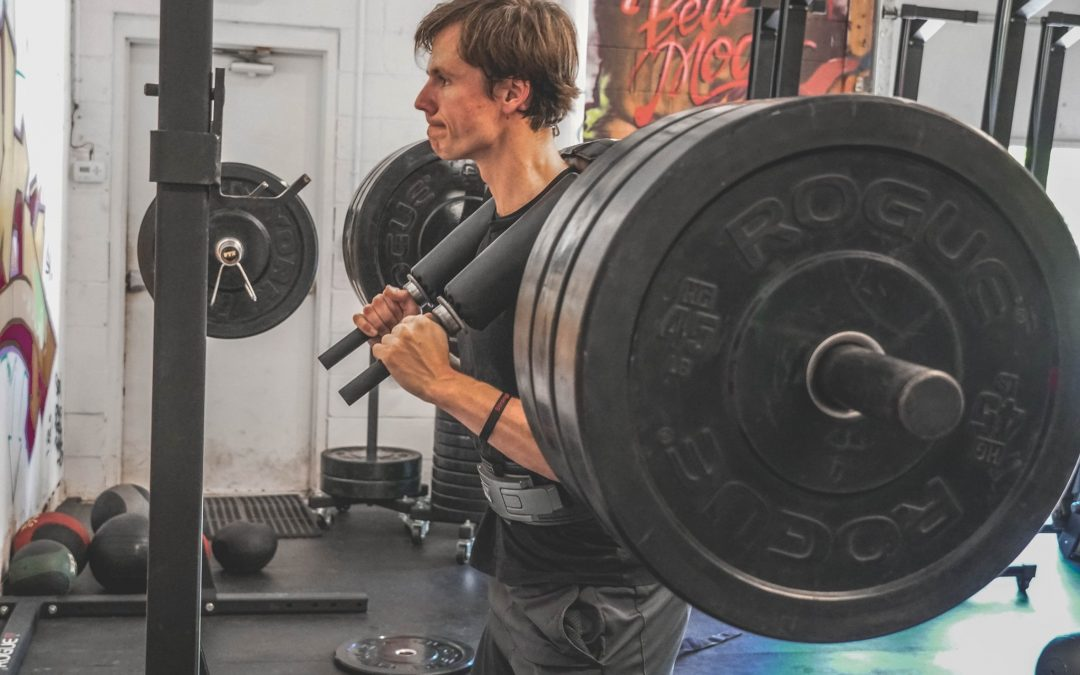 3 Simple Reasons You're Bad at Squatting